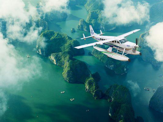 Dịch vụ thăm quan vịnh Hạ long bằng thủy phi cơ